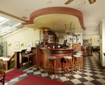 Trattoria - Restaurant - Bar - Biergarten